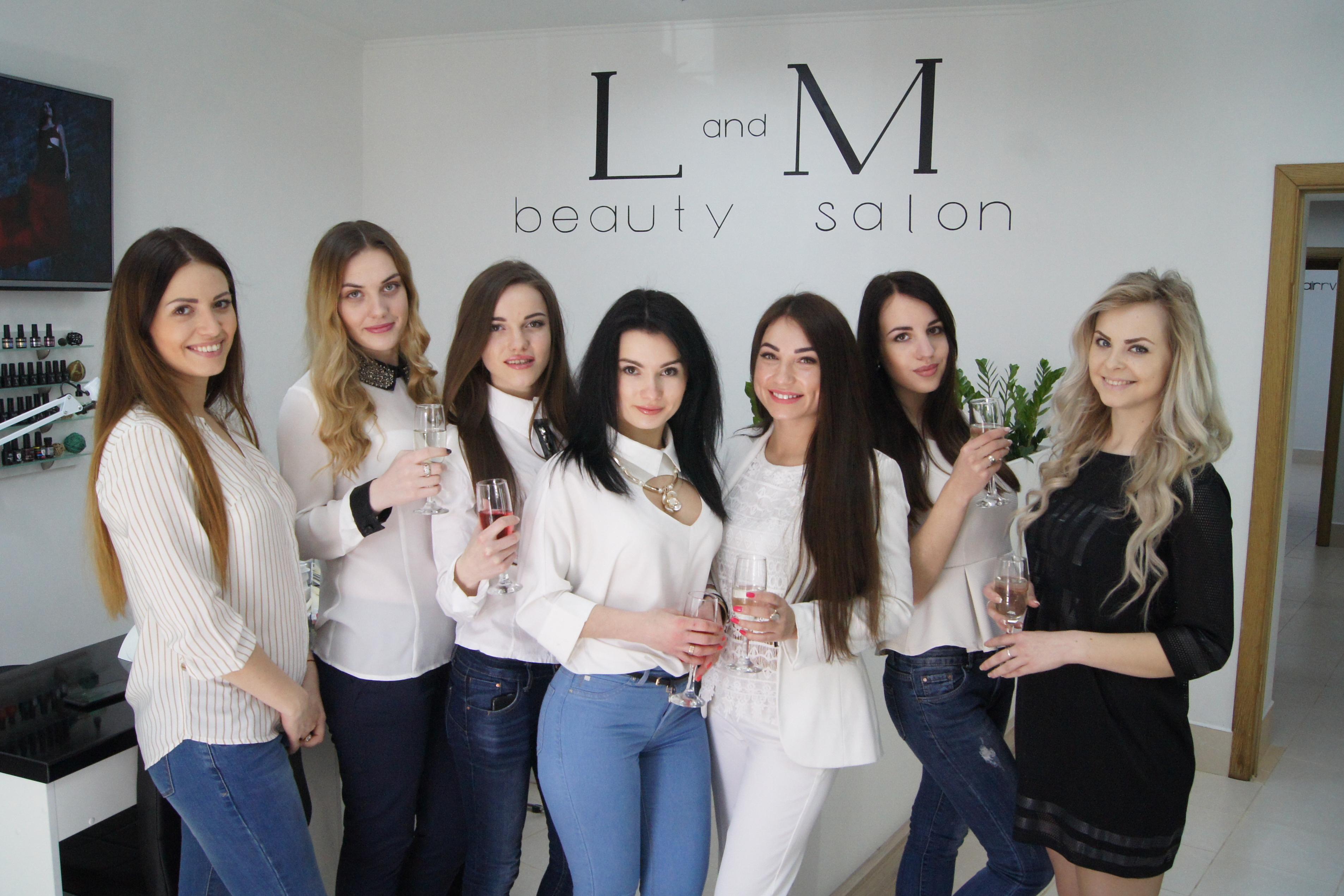 """b43b12d32d4071 Як розповіла майстер Лілія Рижа, завітавши у """"L and M"""" рівнянки зможуть  отримати якісні послуги від найкращих спеціалістів індустрії краси."""