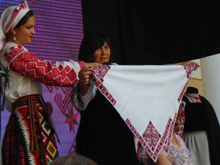 Як пройшов у Рівному день традиційного костюма  ФОТО  - КРАПКА ad8f5e5cf7fe2