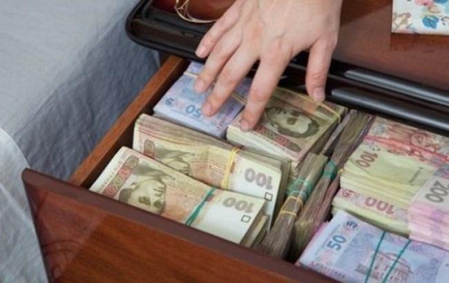 Службовець з Рівненщини обікрав бюджет на понад 3 мільйони гривень - КРАПКА